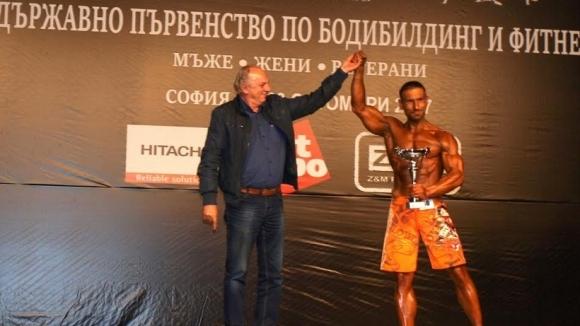 Валентин Петков обра купите на държавното по културизъм (видео)
