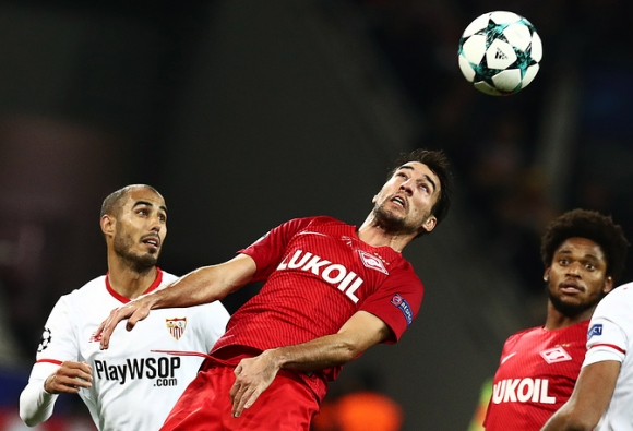 Спартак поставя топката от мача със Севиля в музея
