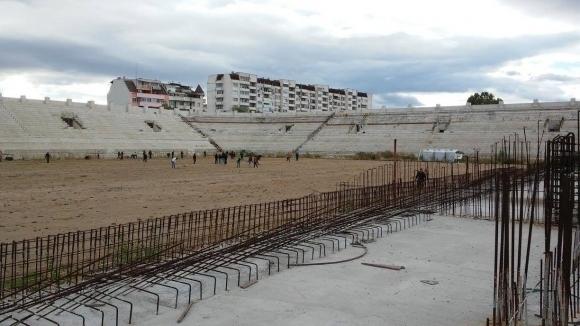 Феновете на Ботев обсъдиха бъдещето на клубния стадион