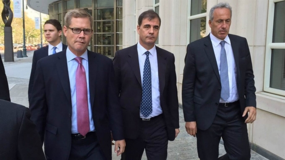 160 милиона долара дадени като подкупи на 30 футболни ръководители