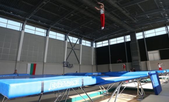 Без български финалисти в последния ден на СП по скокове на батут