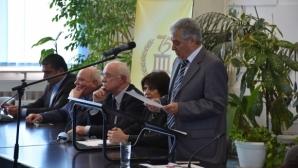 Проф. Петър Киров отпразнува 50 години академична дейност в обкръжението на плеяда шампиони