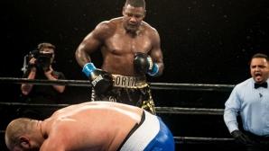 Скандалният Луис Ортиз нокаутира Дейниъл Марз, предизвика Уайлдър още на ринга (видео + галерия)