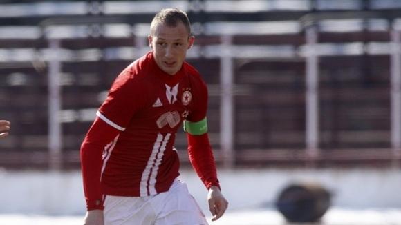 """Антон Недялков към феновете на """"червените"""": Оставам един от вас"""