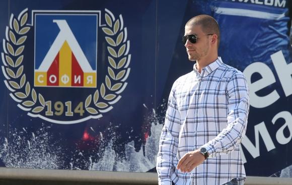 Левски се раздели с пети футболист