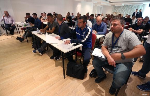Български треньори ще попиват знания от Аталанта този уикенд