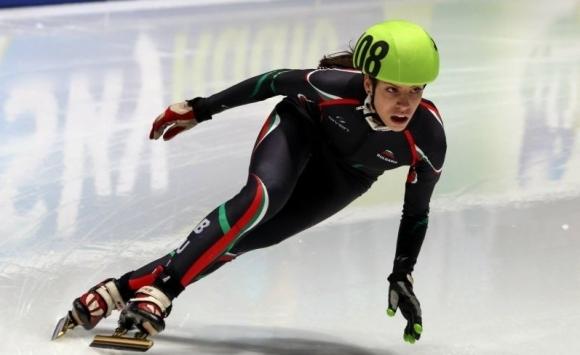 Катрин Маноилова на полуфинал на 1500 метра на европейското по шорттрек