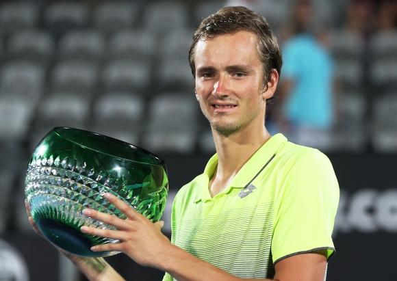 Квалификант спечели титлата на турнира в Сидни