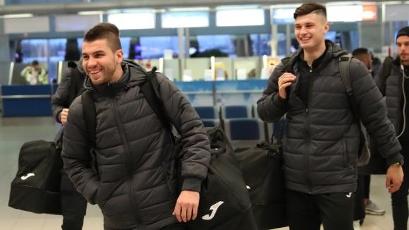 Славия замина за Турция с група от 27 футболисти (видео+снимки)