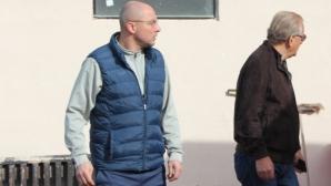Спас Русев гледа около час от тренировката на Роси
