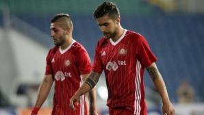 Халф на ЦСКА-София влезе в болница, аут е за Испания
