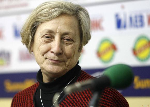 Нешка Робева: В Германия съм, за да оправя чуждите бакии
