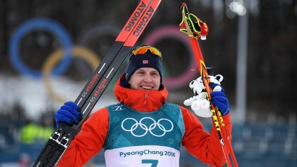 Симен Крюгер спечели златото в скиатлона след падане в началото и изоставане от 40 секунди