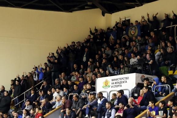 Делио Роси и футболистите подкрепят Левски Лукойл в дербито с Балкан