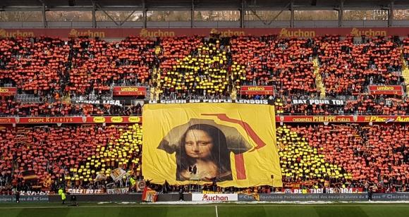 Хореография с Мона Лиза стана хит във Франция