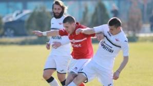 Над 200 зрители видяха два червени картона в последната контрола на ЦСКА 1948