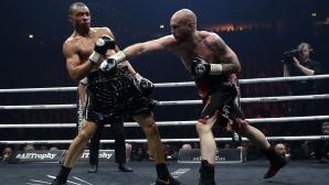 Гроувс пречупи Юбенк в кървава баня, двамата боксьори в болница след мача (видео + снимки)