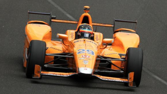 Макларън загатнаха новото оранжево във видео клип (видео)