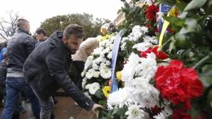Футболистите на Левски почетоха паметта на Апостола (видео+снимки)