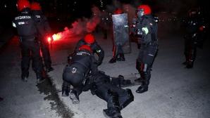 Трагедия: полицай почина след кървава атака на ултраси в Билбао