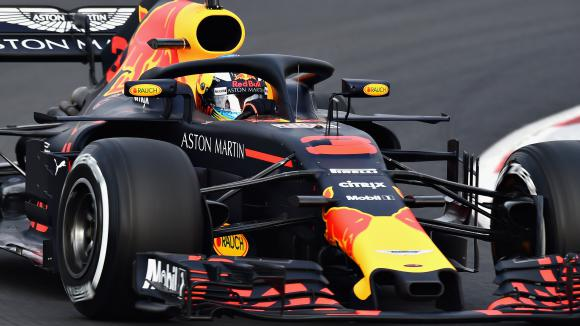 Рикардо остана недостижим след края на първия ден от предсезонните тестове във Ф1