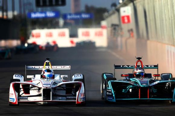 Форд ускорява разговорите си с Формула Е