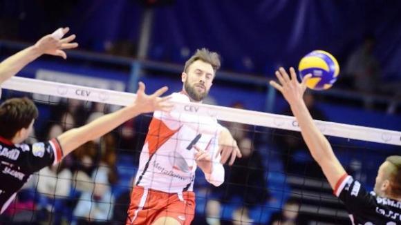 Силен Ники Николов с 10 точки (5 блока), Белогорие отнесе Ресовия в първия полуфинал за Купата на CEV