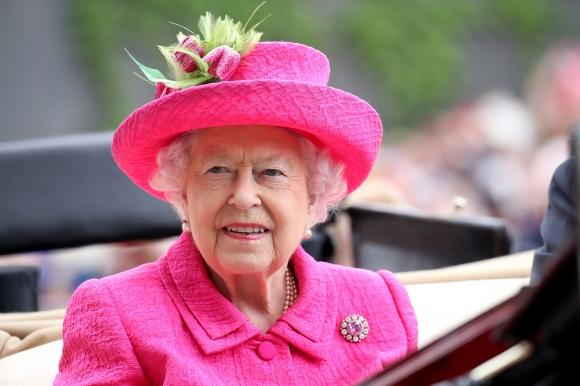 Кралица Елизабет II дава старт на Лондонския маратон