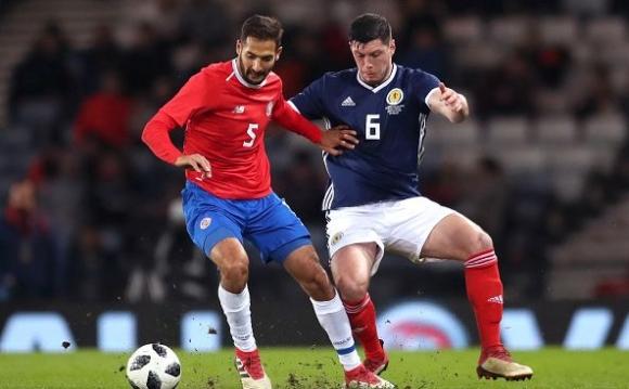 Откритието на Юнайтед дебютира със загуба за Шотландия