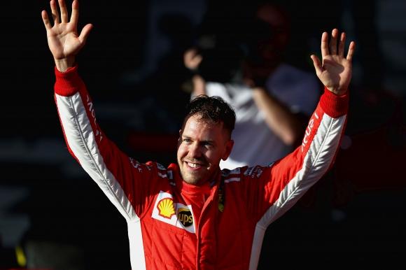 Фетел шокира Хамилтън и спечели ГП на Австралия при откриването на сезон 2018 във Формула 1