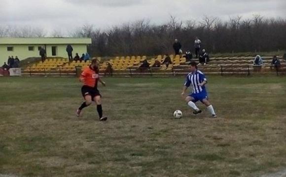 """Майката на Стоичков гледа мач от """"А"""" Областна група"""