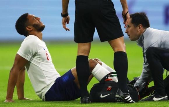 Защитник на Ливърпул отпадна от състава на Англия