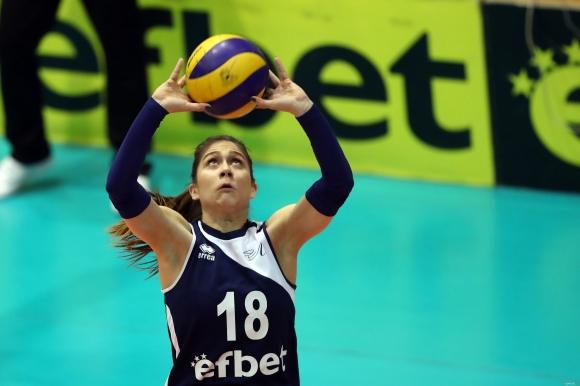 Кристина Гунчева: Продължаваме с високо вдигнати глави