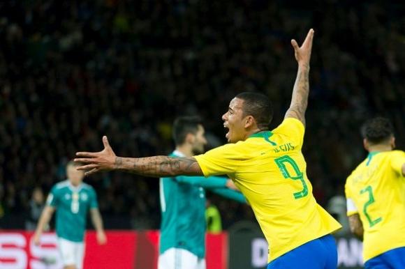 Бразилия си върна самочувствието срещу експериментална Германия (видео)