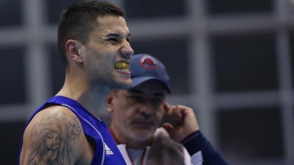 Още двама българи се класираха за четвъртфиналите на Европейското по бокс