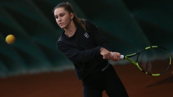 Гергана Топалова започна с победа в Аликанте