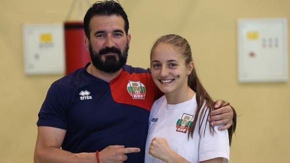 България с два медала при жените на Европейското по бокс