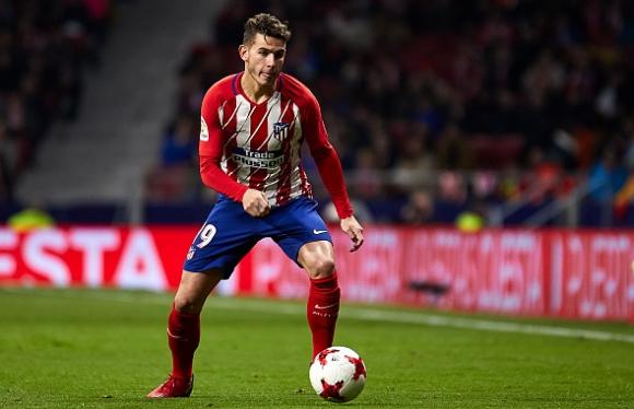 Атлетико взима мерки, за да парира интереса на Барса и Реал към френски национал