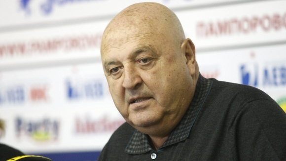 Венци Стефанов: Какви футболисти на Левски? Имамe си добри юноши