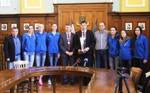 Златни медали за кмета и заместник-кмета на Пловдив от Марица (галерия)