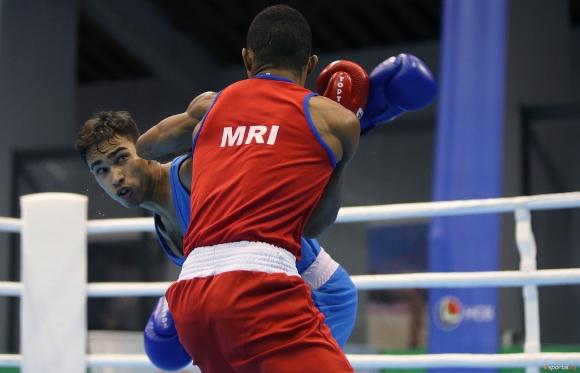 Боян Асенов си осигури медал от Европейското първенство по бокс