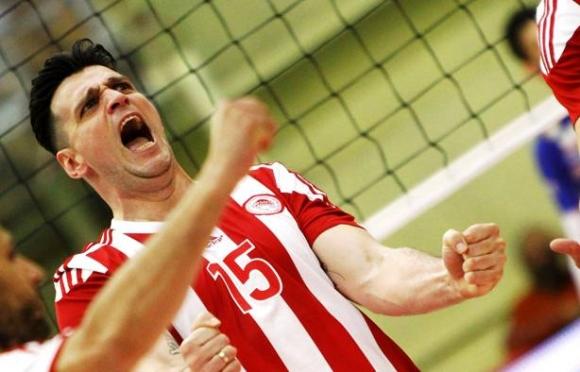 Алексиев и Олимпиакос на финал за Купата на Лигата след бой над Фойникас (снимки)