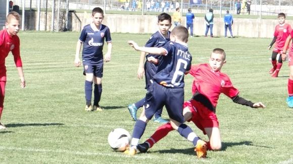 """Пет отбора остават без загуба на """"Звездичка-Колония къп"""""""