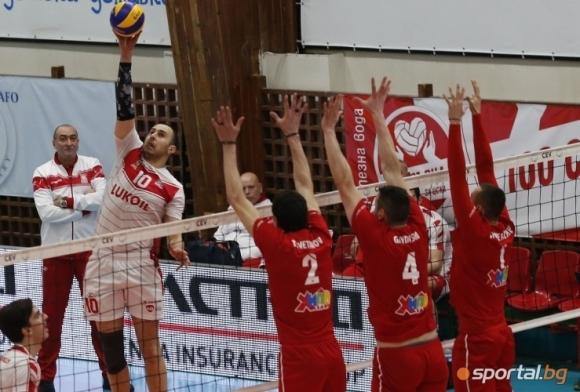 Нефтохимик посреща ЦСКА в първия финал