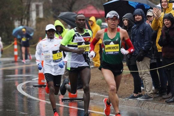 Японец спечели маратона на Бостън, американка триумфира при жените
