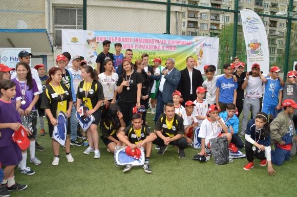 20 държавни спортни стипендии за деца и младежи в риск