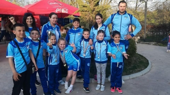 "34 медала за бургаските ""акули"" от турнира ""Бяла лястовица"" в Добрич"