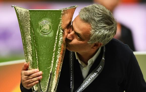 Откраднаха и намериха трофея на Лига Европа в Мексико