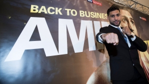Амир Хан се завръща с боксов спектакъл в Ливърпул