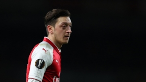 Йозил: В Арсенал съм заради Венгер